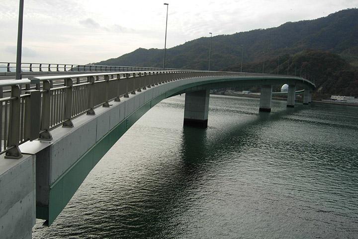 阿賀マリノ大橋(A1-P1)