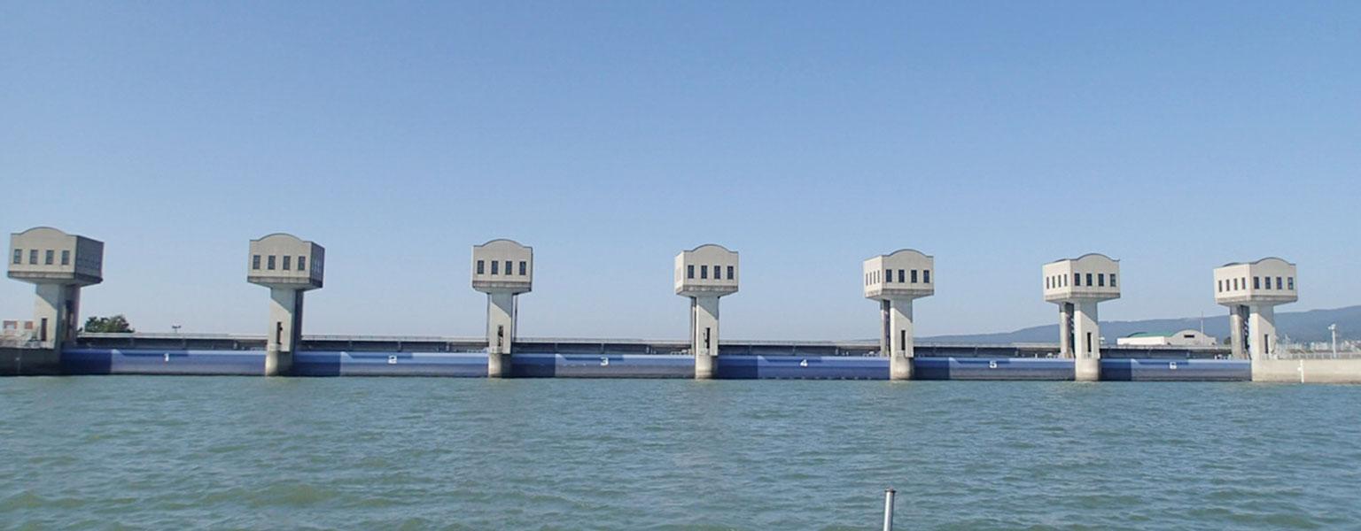 海洋鋼構造物・水門の保全