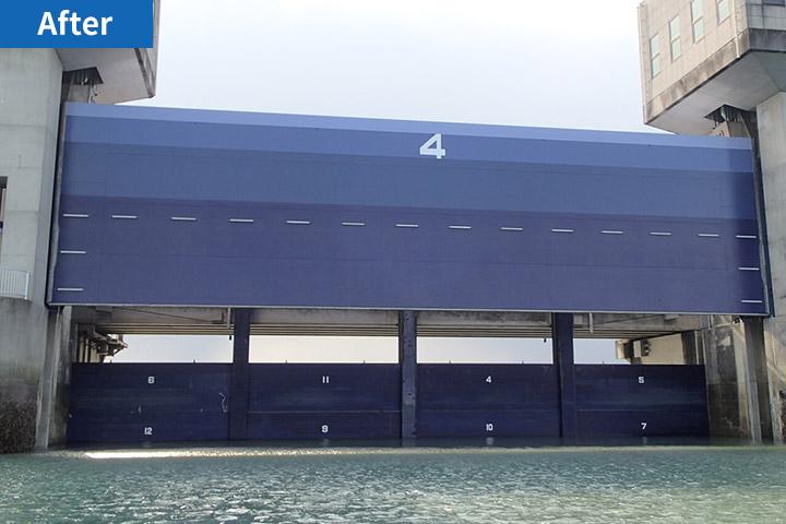 諫早干拓堤防排水門の塗装塗り替え工事