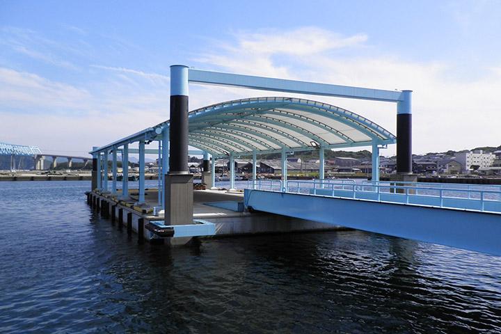舘浦漁港浮桟橋